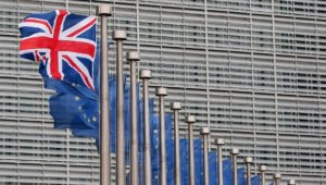 Brexit drückt Stimmung in britischen Firmen auf Tiefpunkt