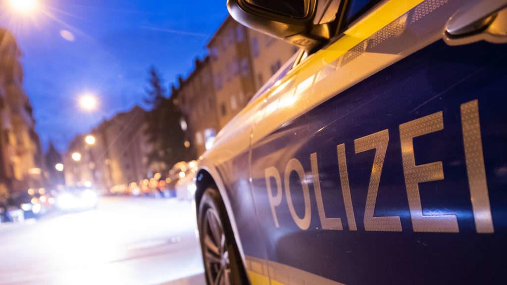 Nach brutalen Attacken in Nürnberg: Polizei warnt Bevölkerung – Täter weiter flüchtig
