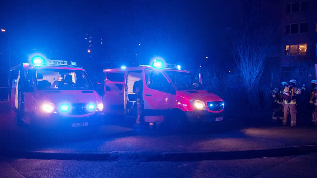 Horror-Unfall auf Flucht vor der Polizei: 18-Jähriger fährt Frau auf Parkplatz tot – Sohn verletzt