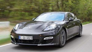 Porsche ruft weltweit75000 Panamera zurück