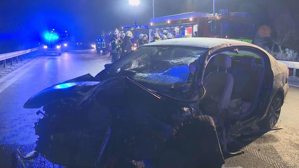 VW-Fahrer tot nach schrecklichem Unfall – Blick in Wrack schockiert Polizei