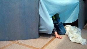Junge (8) spielt mit Freund Verstecken und stirbt dabei – Todesfalle lauerte im Gebüsch