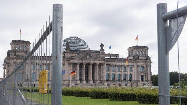 Planungen in Berlin: Graben soll Bundestag sicherer machen